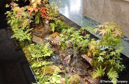 Dal giappone arriva il tavolo ruscello da mettere in for Giardini in miniatura giapponesi