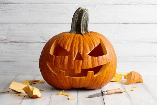 Zucca Di Halloween Quando Seminare.Intagliamo La Zucca Di Halloween Fiori E Foglie