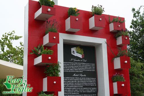 Uno dieci centomila balconi nuove idee tutte da for Vasi appesi