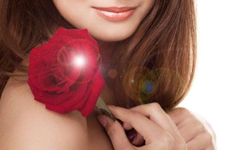 ragazza rosa500 Al via i concorsi per le rose più belle (ma nessuno lo sa)